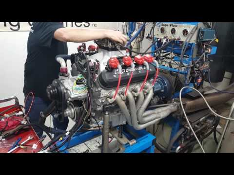 DC Racing Engines Built / Carbureted LS3 on an engine dyno