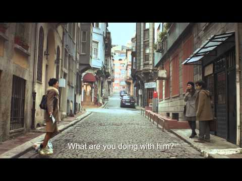 Cornetto Cupidity, Beauty and the Geek (Film)