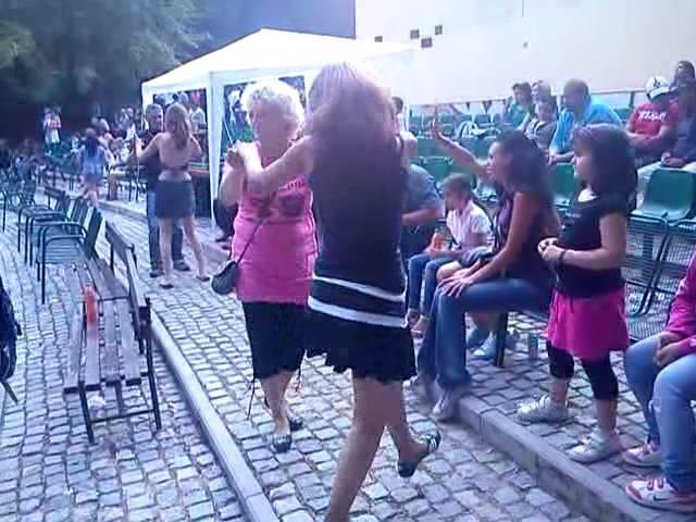 Romský festival v Lysé 2011..h?íšný tanec