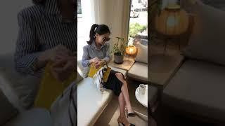 블랑김미,봄신상,스트라이프셔츠,레더스커트,스카프코디,세…