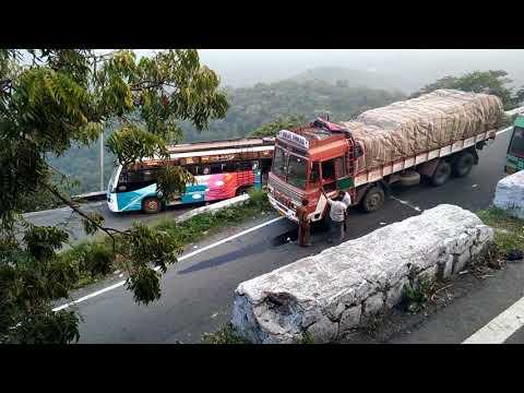 Traffic jam at Sathyamangala Ghats