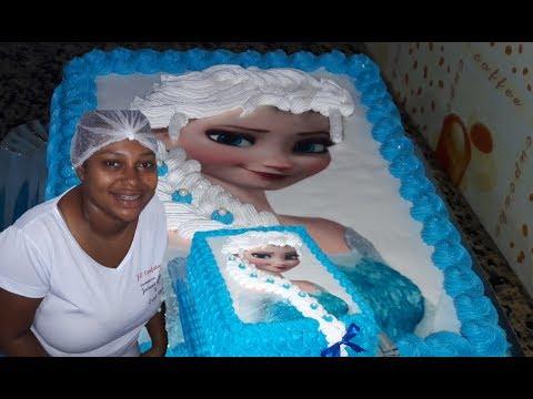 Bolo Elsa  Frozen com trança de chantilly e  papel arroz
