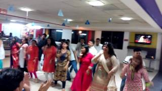 mob dance on independent day at hcl ltd noida