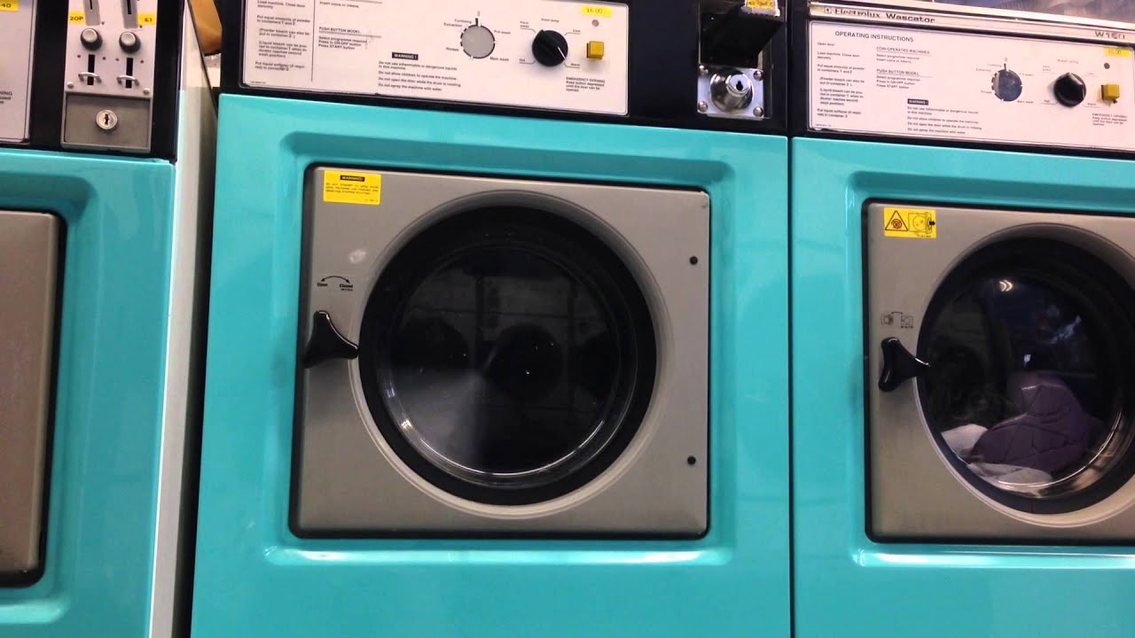 Day at the launderette 2/4 - Electrolux Wascator W75 start ...
