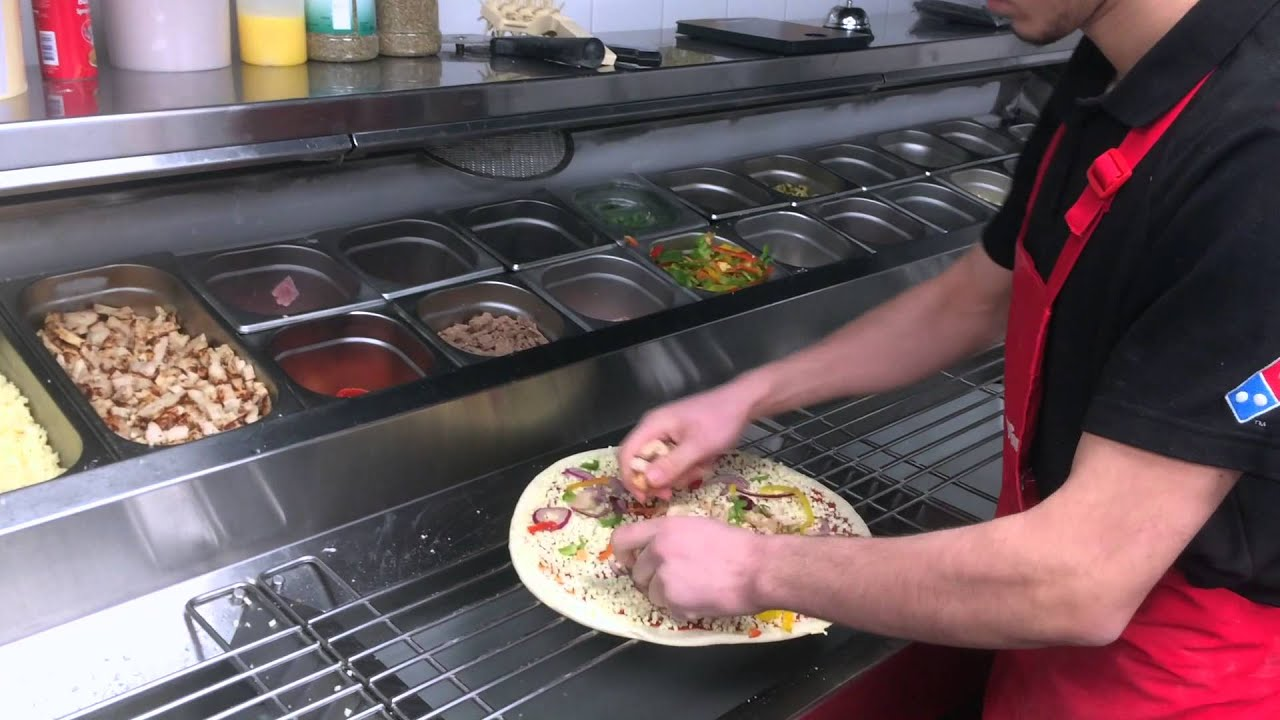 Dominos Kitchen domino's pizza kortrijk: the making of a large bbq chicken pizza