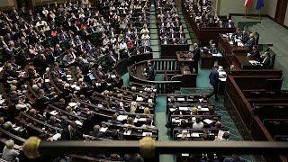 Polónia desafia UE ao adotar polémica reforma do Supremo Tribunal