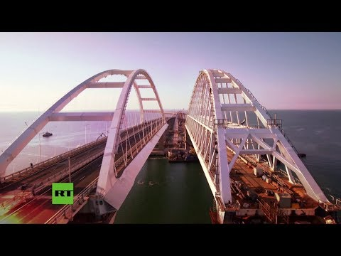 El gigantesco puente de Crimea, a vista de pájaro