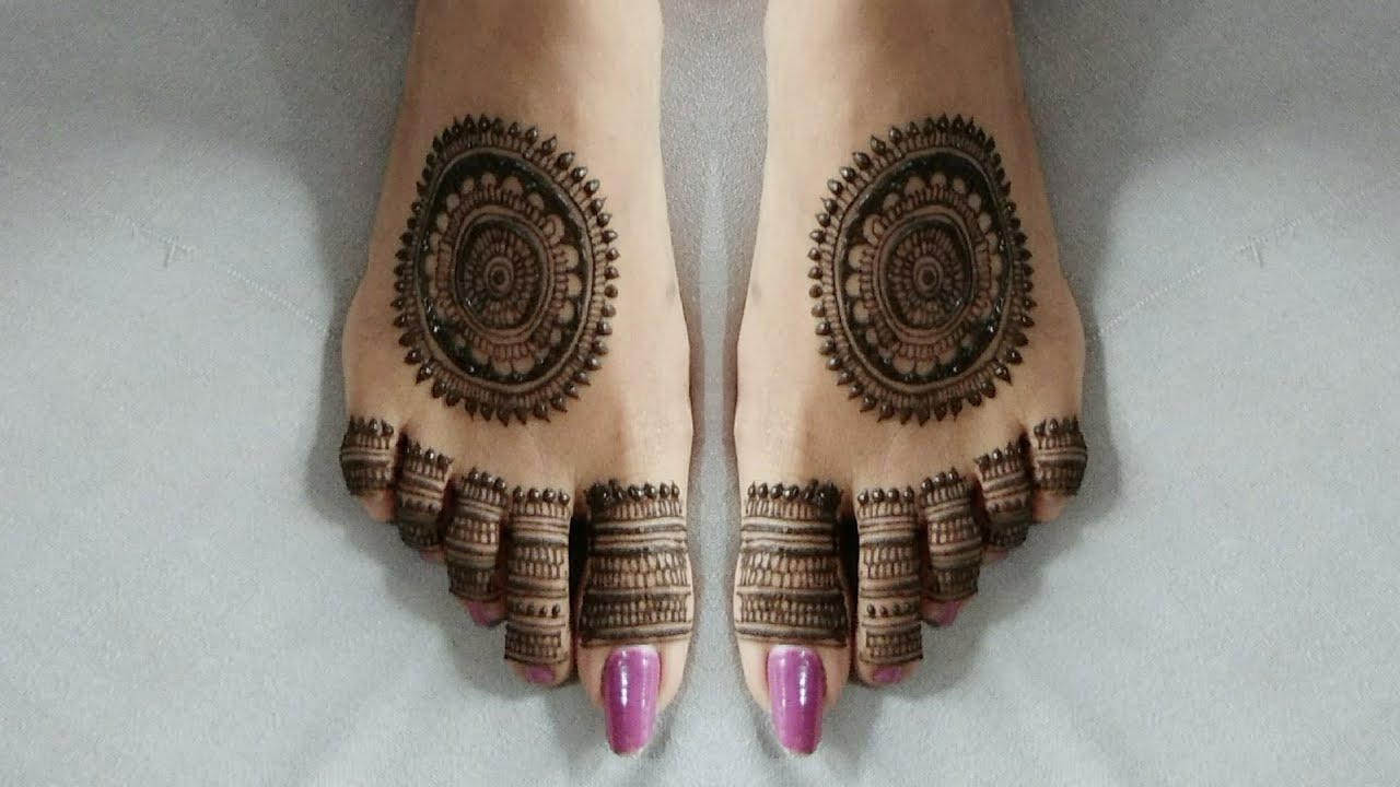 modern leg mehandi design