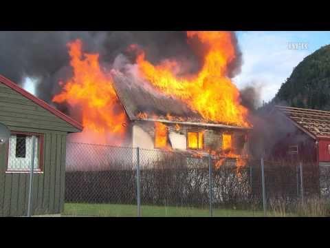 Ikke gjør dette hjemme: Huset brenner