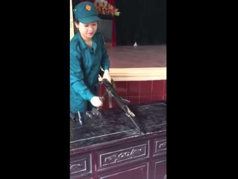 Cách tháo lắp súng tiểu liên AK