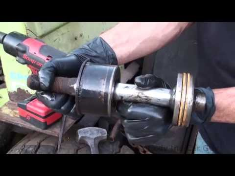 How to fix a leaking hydraulic cylinder on a fork lift part 1
