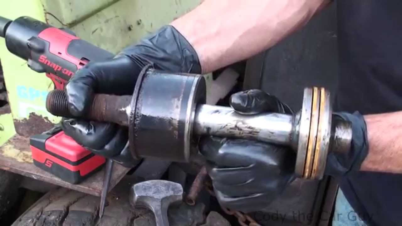 How to fix a leaking hydraulic cylinder on a fork lift