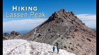 Hiking Lassen Peak in Lassen Volcanic National Park