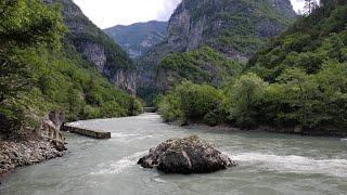 Российская туристка упала с моста в реку Гега