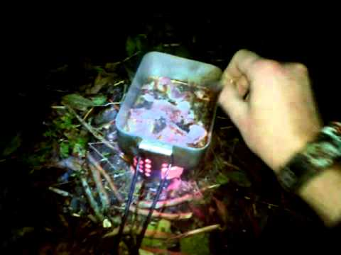 a few hours chill time in the woods, bacon butty, hobo stove and a tarp :D