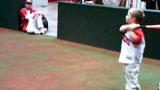 Redsfest 2010- 4 year-old hits monster home run