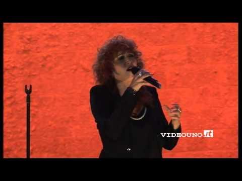 Fiorella Mannoia canta
