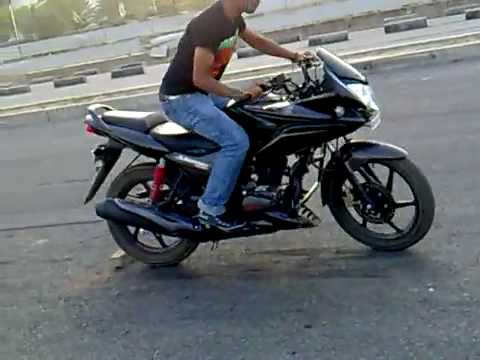 My friend Stunts on Honda Stunner bike....S4subha...........