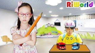 리원이가 선생님으로 변했다! (반전주의) 리원이의 선생님 놀이 장난감 놀이 Daddy turn into a little boy. Kids Toy  리원세상
