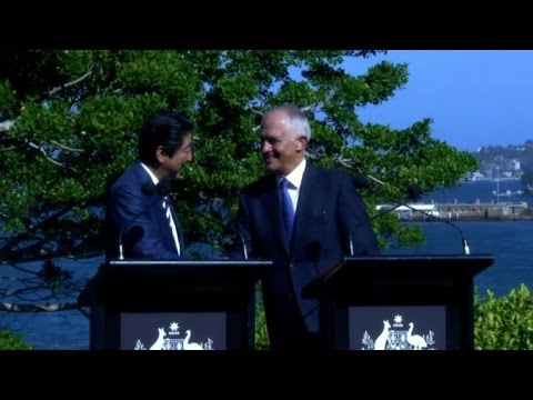 Japan's Abe pushes Pacific trade deal in Australia