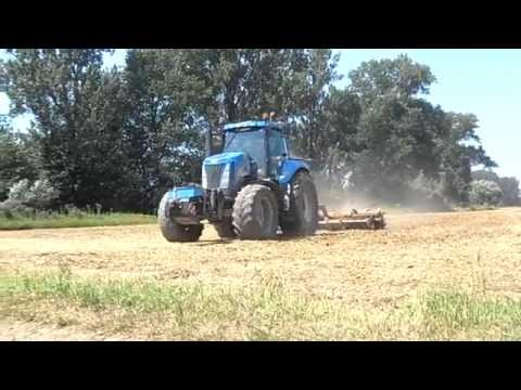 Traktory i Kombajny  2013 Fastrac 3185 New Holland T8040 JD