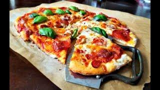 2 ingredient pizza crust! OMG! Delish Instant Pizza Dough (made w Greek Yogurt)