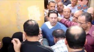 إنهيار طارق النهري في جنازة وائل نور
