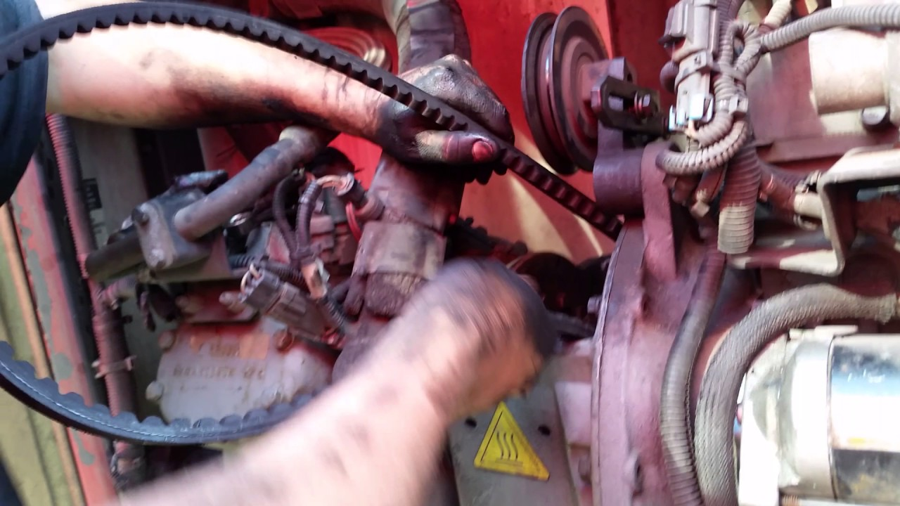 How to change belts and oil on carrier transicold reefer unit,mjenjanje  kajševa i ulja na riferu