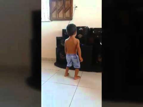 Luan Carlos Henrique dançando funk thumbnail