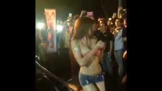 Thai model sexy car wash
