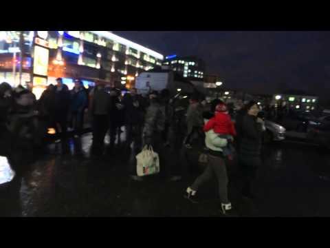 Есенин у Ереван Plaza на Тульской улице в Москве