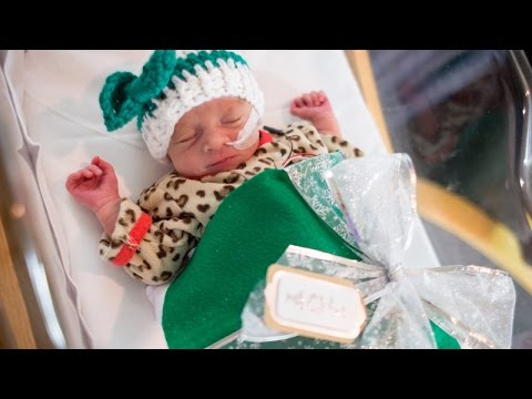 Thumbnail: Babies In NICU Dressed As Presents In Special Photo Shoot