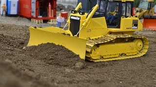 COOL RC DOZER KOMATSU D65 DOZING LIKE THE REAL THING
