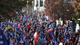 video: US election: Thousands of Trump supporters rally in Washington