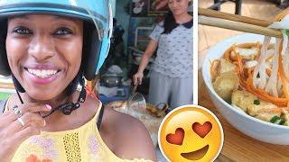 NICE VIETNAMESE PEOPLE | Best Pho in Hanoi? | charlycheer