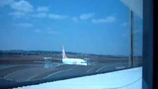 Aeroporto de Goiânia   Pouso quase na metade da pista Boeing 737 800   Gol Linhas Aéreas
