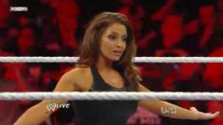 WWE Raw 3/14/11 Vickie Guerrero vs Trish Stratus