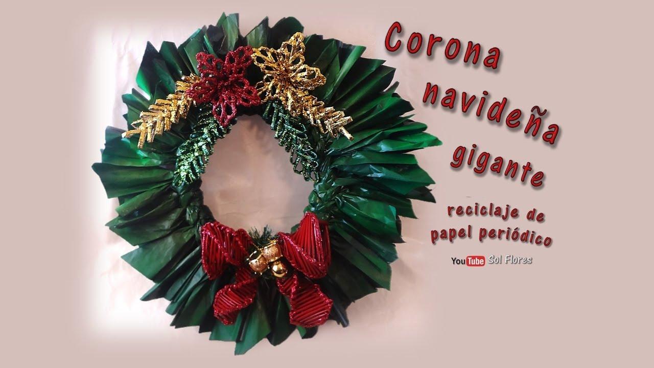 Corona Navideña Gigante Reciclaje De Papel Periódico Giant Christmas Wreath