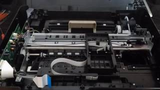 Принтер hp 5525 не печатает черным цветом. Чистка печатающей головки.