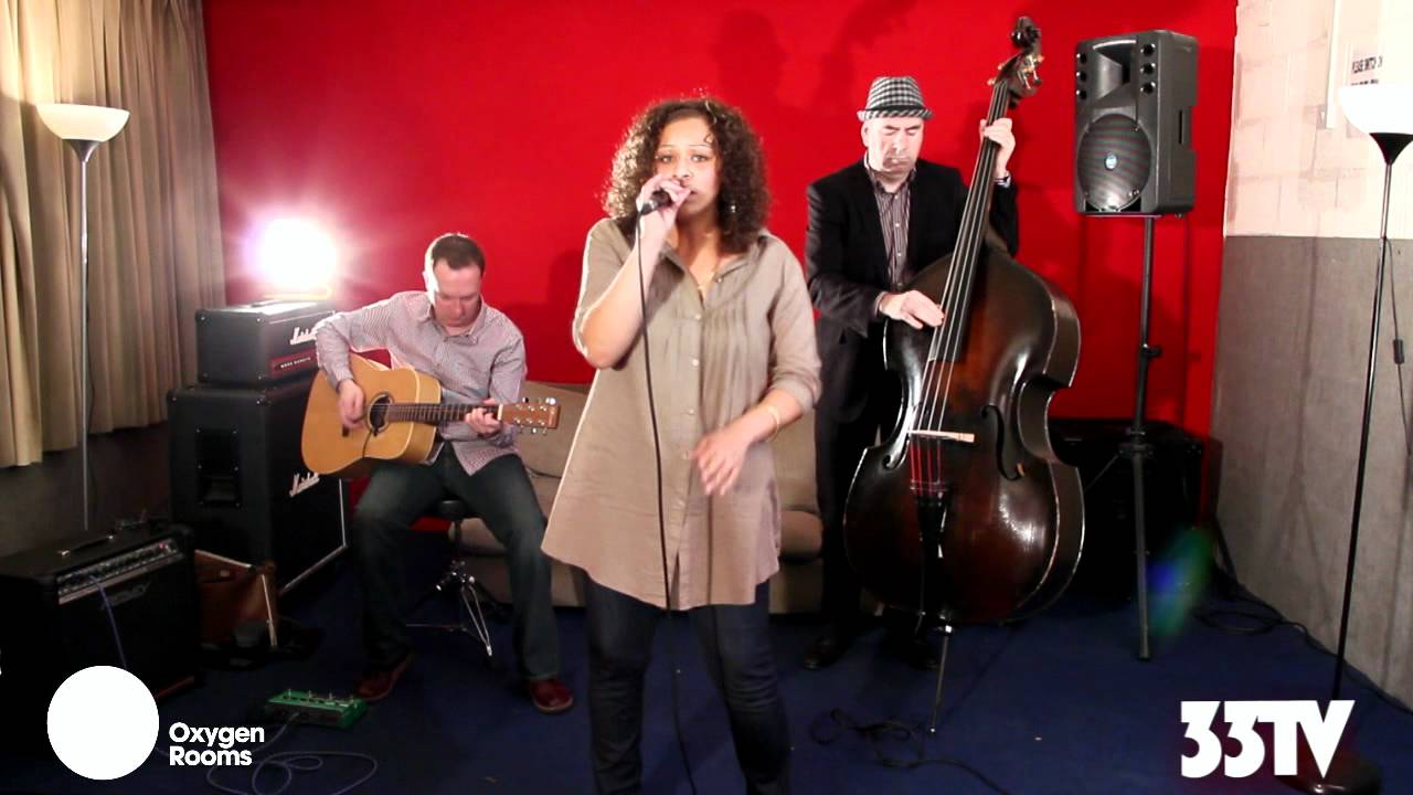 www.33tv.com_33TVLive-DanniMayers(Acoustic33)-YouTube