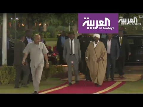وزير الدفاع نائبا للبشير والمعارضة تصعّد  - نشر قبل 5 ساعة