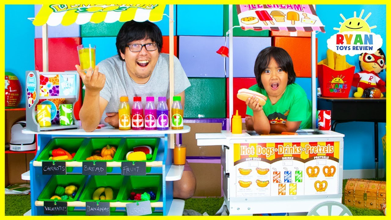 Ryan Pretend Play Grocery Store with Ice Cream Hot Dog Cart Toys!
