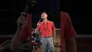 Dẫu Anh không Nhìn thấy Châu Khai Phong do Xuân Hòa hát rong đường phố cover