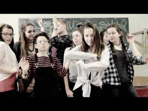 We rule the school (Trailer)