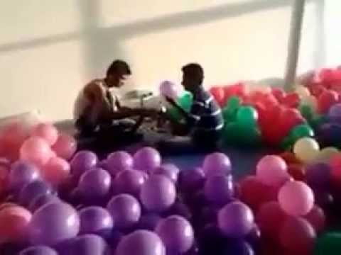 Balloon decorations in birthday party pune youtube for Balloon decoration in pune