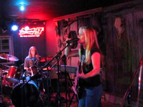 Elyse Cole Band performing