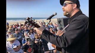 'We stand with you': Choir!Choir!Choir! holds U.S.-Mexico border performance