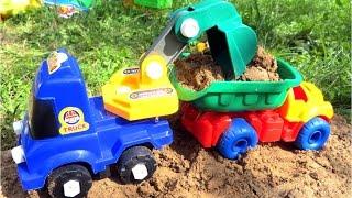 Видео с машинками. Собираем экскаватор. Игрушечные машины(Смотрите видео с игрушечными машинками. Самосвал приехал на карьер загрузиться песком, но ему сообщили,..., 2016-07-26T03:00:01.000Z)