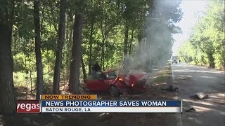 News photographer saves pregnant woman