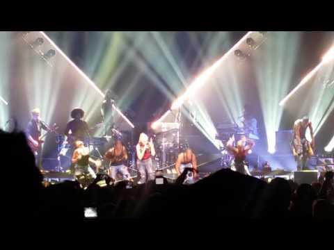 Gwen Stefani concert at The Forum